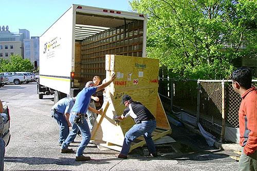 unloading screen from truck